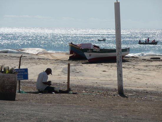 São Pedro, Кабо-Верде: La plage vue de la terrasse