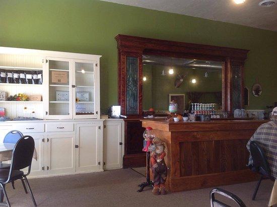 Grand View, ID: Inside