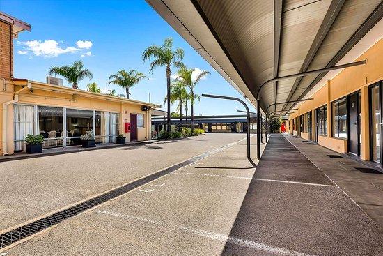 Enfield, Australia: Hotel exterior