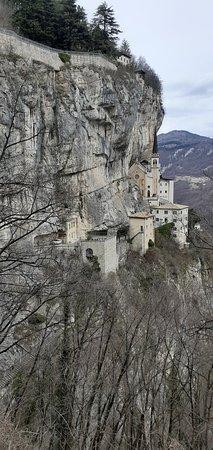 Ferrara di Monte Baldo, Italia: Santuario Basilica Madonna della Corona