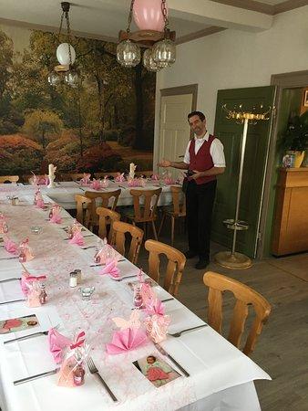 Neuenbuerg, Germany: Für kleine Festlichkeiten, kleine Feier im separatem Raum