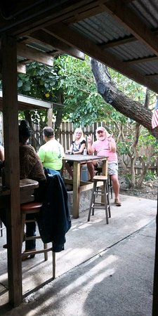 Texas Rose Bar - Honkeytonk