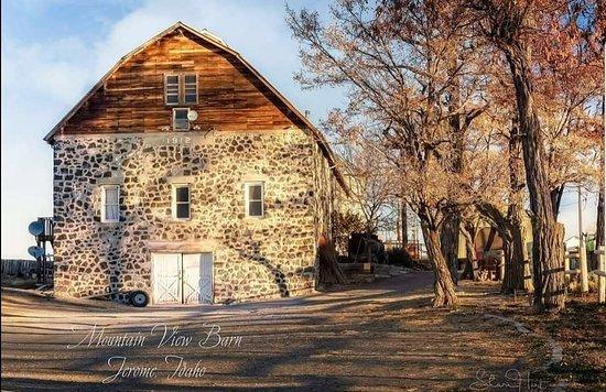 Jerome, ID: Mountain View Barn