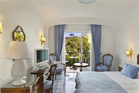 Guest room (454670929)