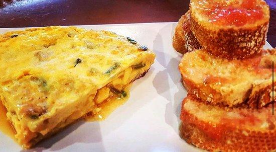 El Gran Petit: No os olvidéis de probar nuestros deliciosos almuerzos por 4.50€, ofertas variadas de 8 a 12:30h de lunes a sábado!!
