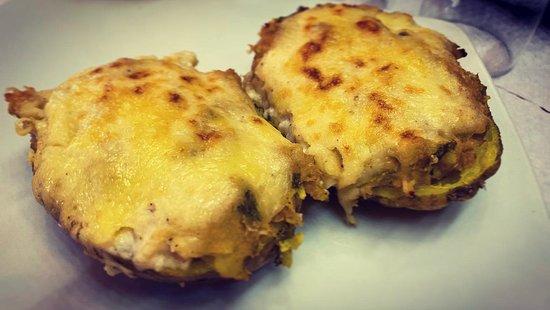 El Gran Petit: Patatas rellenas de atún. Mejor forma de comer proteína? Yo creo que no!