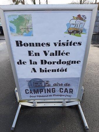 Saint-Medard-de-Presque, France: Aire de camping-car Saint Médard de Presque 46400
