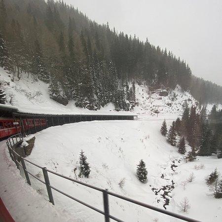 Fantastisk togrejse med Bernina Express fra St Moritz til Tirano-billede