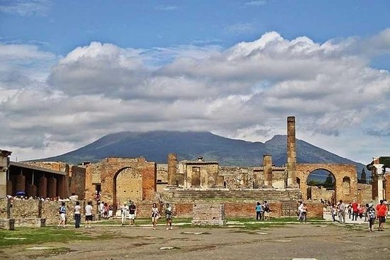 Road to Pompei & Vesuvius Select