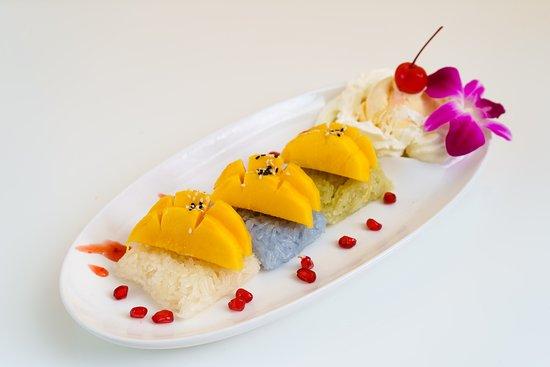 Mango Stickey Rice With Ice Cream
