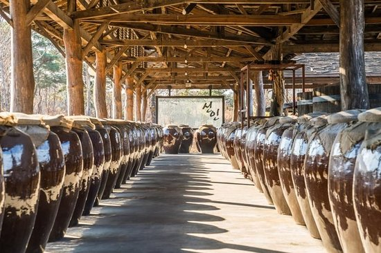 A unique insight into rich Korean culture : traditional brewery & k...