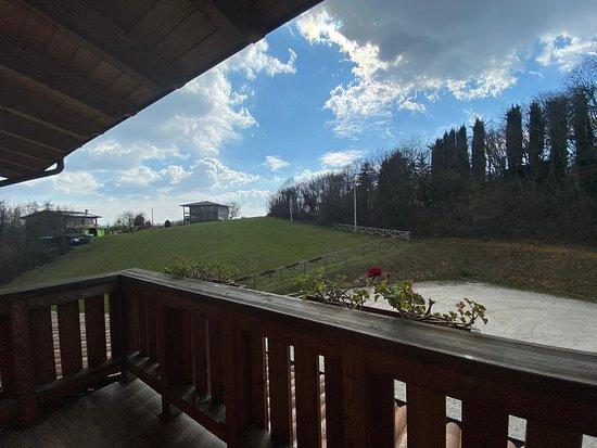 San Gottardo, Италия: Le terrazze disponibili in ogni angolo della struttura per godersi l'aria aperta