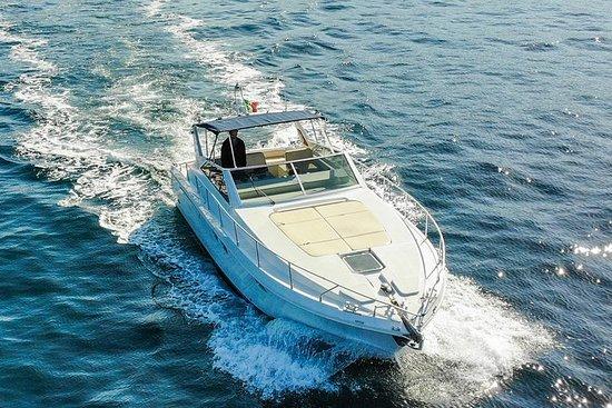 从波西塔诺到卡普里岛的私人乘船游览-拉斐利台风