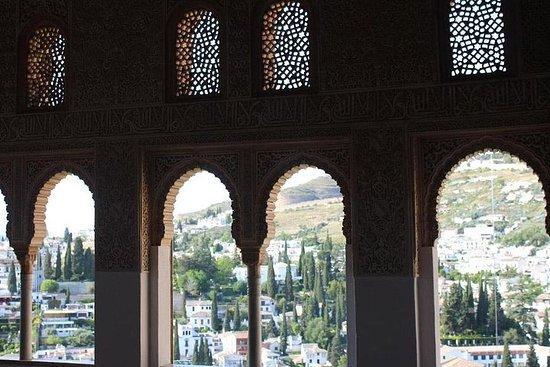 Heldagstur till Granada och Alhambra ...