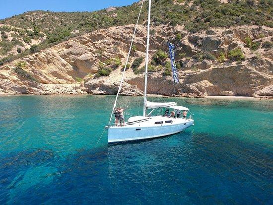 Aeolus Yachting
