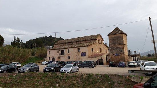 El Papiol, España: Entrada