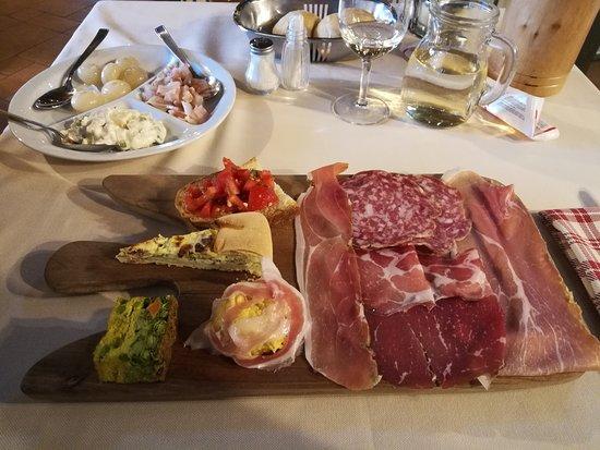 Sedrina, إيطاليا: Tagliere di salumi e pietanze varie