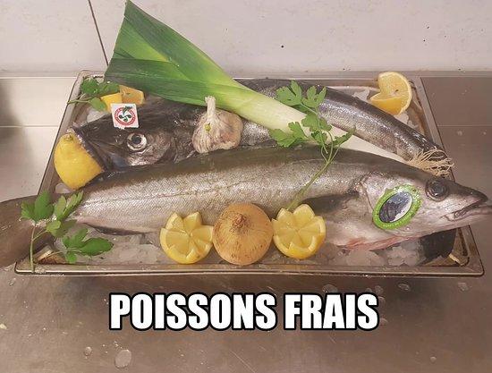 Merville, France: tous les midi a la formule,poissons frais