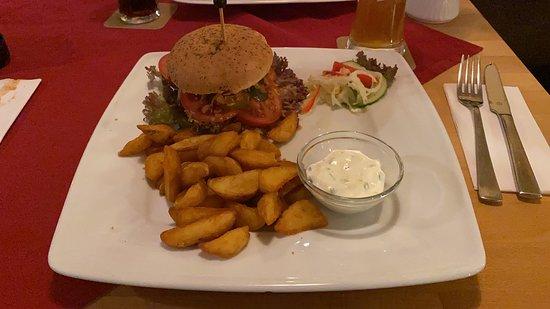 Hehlen, Almanya: Burger