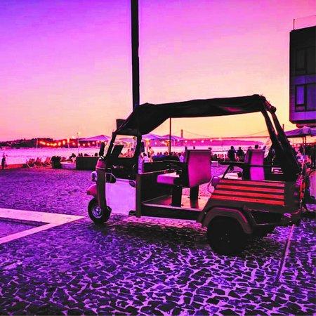 Pink Tuk Lisboa