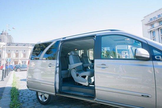 Rent a Driver in Romania: Viano car interior (6+1 seats)
