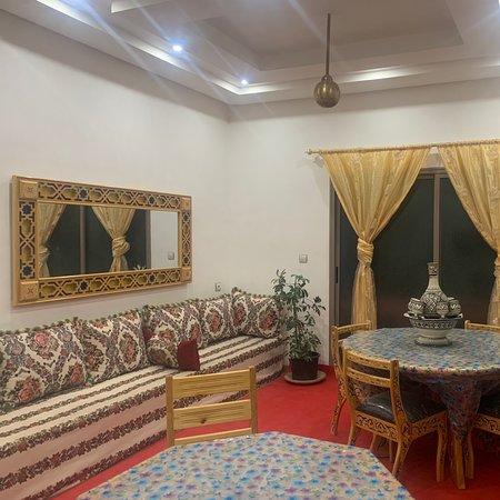 Ait Youl, Марокко: Bienvenue au resto chez mama
