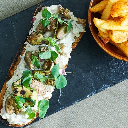 Dunkeld West, South Africa: Chicken mayo   roast courgette   crispy capers   caper berries