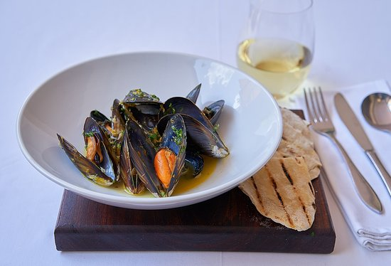 Dunkeld West, South Africa: Smoked mussels   mussel broth   nori