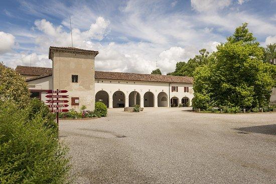 Oderzo, Taliansko: Il Borgo con il pozzo dell'Ottocento