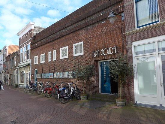 เกาดา, เนเธอร์แลนด์: Gouda, Beautiful spa in former school building rebuilt in 1920-1921 by architect P.J. Jansen