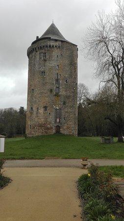 Grand Fougeray, Fransa: la tour duguesclin