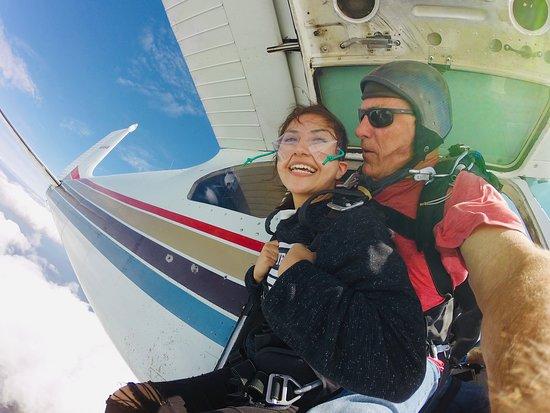 Pahokee, FL: Skydive Palm Beach  561-586-7669