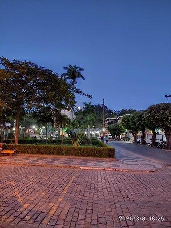 Pirapetinga Minas Gerais fonte: media-cdn.tripadvisor.com