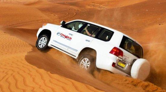 Al Wasil, Oman: جولة صحراوية بسيارات الدفع الرباعي