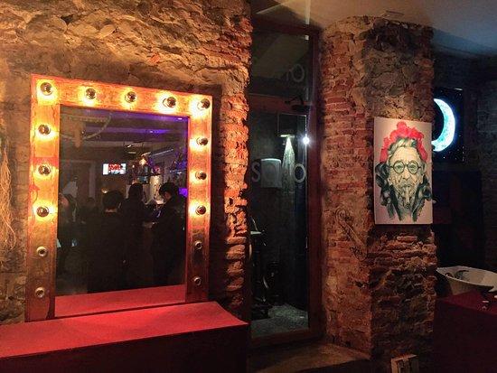 Soho Bar-Gallery