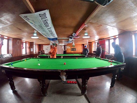 Chukhung, Nepal: snooker
