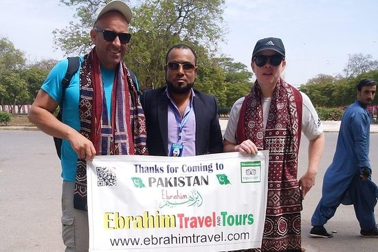 Udforsk Karachi & Interagere med lokal familie-billede
