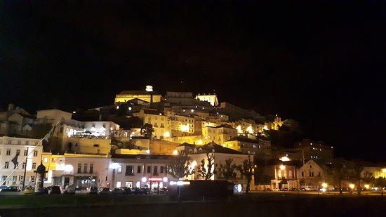 Coimbra District, Portugal: Uma noite iluminada em Coimbra
