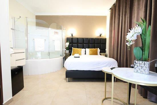 Miami Beach Hotel Tel Aviv Hk 667 H K