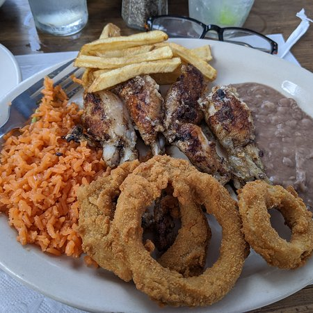 Nuevo Progreso, Mexico: Grilled frog legs lunch plate