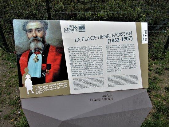 Monument a Henri Moissan