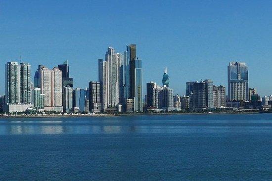 Visite de la ville et escale au Panama