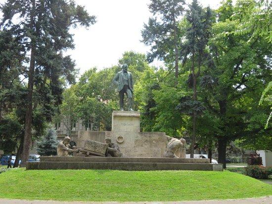 Tisza Lajos Memorial Statue