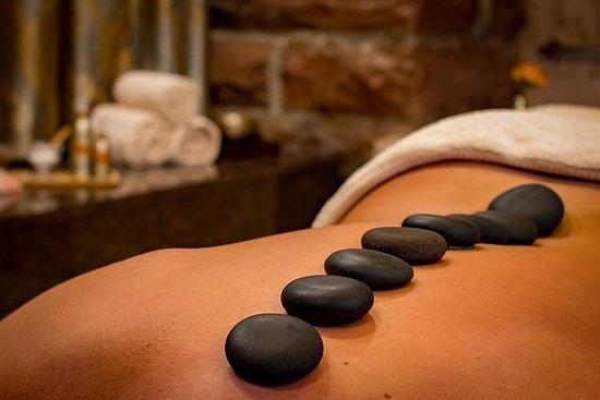 Massage aux pierres chaudes et aux...