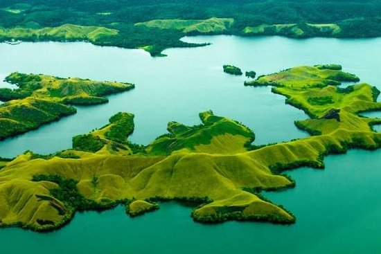 Sentani Lake tourist destination which is the most attractive natural lake in Jayapura city Papua every visitor comes and enjoys the natural scenery and surroundings in the city of Jayapura Papua