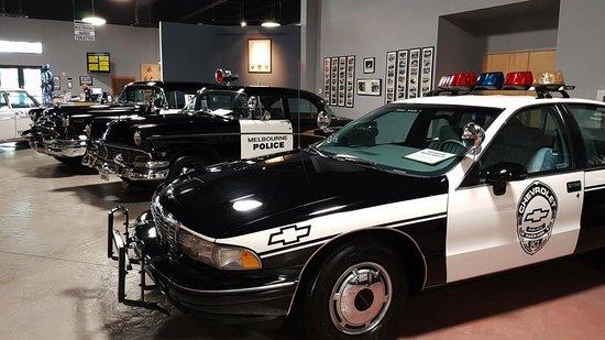 Titusville, FL: Historische und aktuelle Polizeiwagen