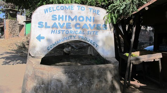 Шимони, Кения: Eingang zu den Höhlen