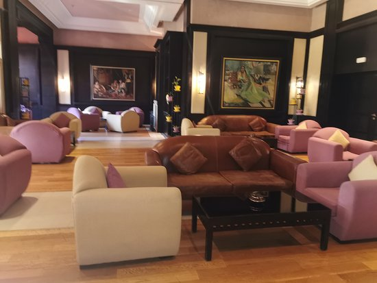 one of the many lounges