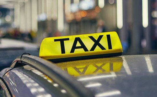 Saint-Mitre-les-Remparts, France: Vous pouvez réserver votre taxi pour toutes vos demandes, toutes distances, et ce 24h/24 et 7j/7.