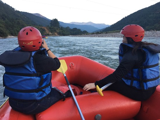 Punakha District, Bhutan: Incredible water rafting